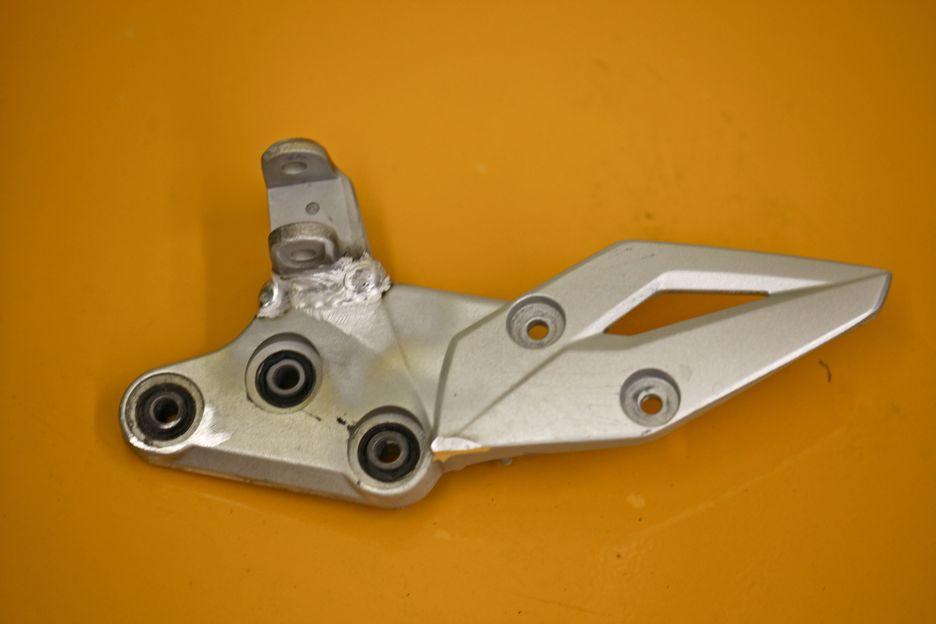 Support de béquille en aluminium réparé